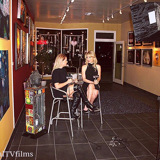 Chatting w/the lovely @abigailfraher from @realtvfilms about the upcoming release of #americanviolencemovie #VOD #digitalreleqae on Dec 8, and other projects at the amazing @OpenChannArt gallery in El Segundo! #AmericanViolenceMovie #release #actress #producer #LA #DR @lizrodriguezemr @googleplay_offical @amazonprime @microsoftstore @eonefilms @brentonconley @adispektorofficial @actortony