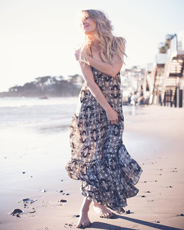 Feeling super happy right now! Funny how the smallest things can just brighten your day and make your heart dance of joy! #thingstolookforwardto #cantwait #summer #summerfun #ydkm #instadaily #instagood #photography #hair #makeup my freakishly talented and beautiful friend @violetartistry