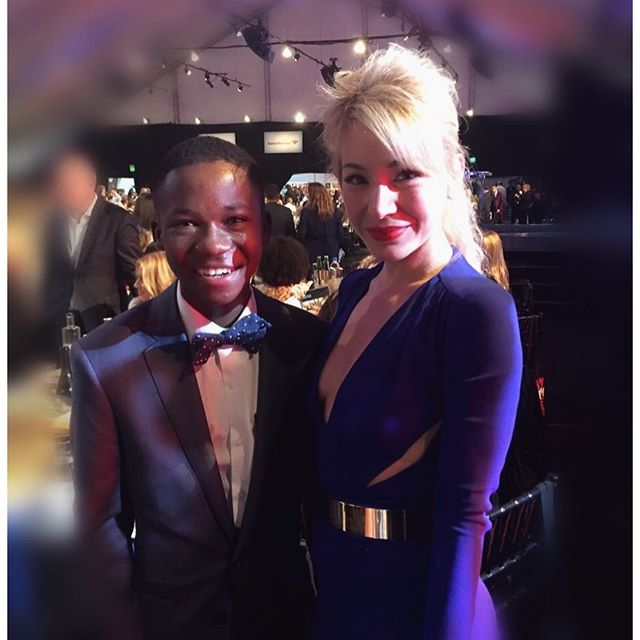 So wonderful seeing #AbrahamAttah again, #bestactor #spiritaward winner for #beastsofnonation receiving a standing ovation from the entire room. Thank you @filmindependent for awarding new faces, new talent & always #independentfilms! #actress #awardseason2016 #dominican. #Angeleno #films #independent @lizrodriguezemr @netflix @varietylatino @ifctv @artsyrosemary @iris_dominicana @participant