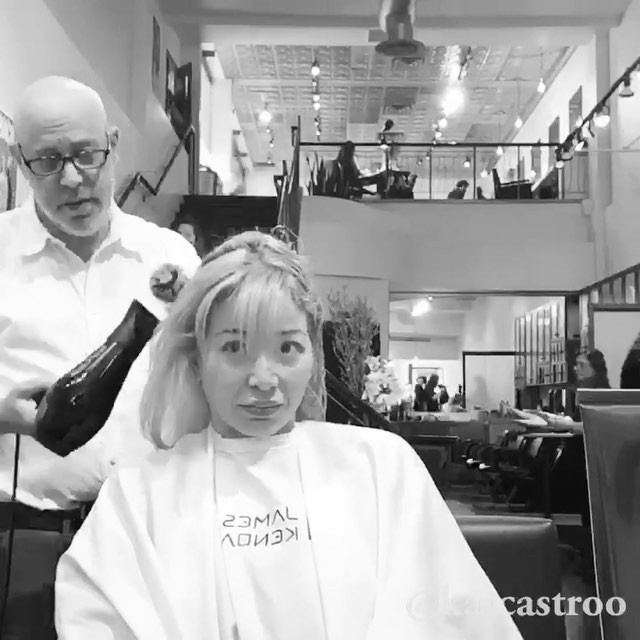 Surprise! Thank you #jameskendall my dear friend and hair stylist for almost 10years for the haircut. I love it. Every now and then, it's nice to change, and this change I am absolutist loving! #jameskendallsalon #beverlyhills #change #haircut #jamesscissorhand #celebrityhairstylist #friendsforlife #blondebob #blondebombshell #slayingit @jameskendallsalon @oribe