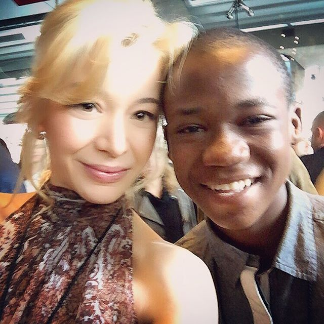 This young man stole our hearts on #beastsofnonationmovie and he did it all over again yesterday at the Spirit Awards Nominee Brunch. His beauty irradiates and fills up the entire room with light, and the best thing about all this is that he doesn't even know him. A star is Born and Abraham Attah is here to stay! #actors #celebration #independentfilms #filmindependent #spiritawards2016 #filmmakergrant #nomineebrunch @filmindependent @netflix @lizrodriguezemr @zabalaaldia @violetartistry @deigalan