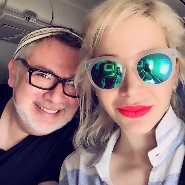 #Touchdown we made it safe and sound to #laislabonita 88 degrees we are so ready for the #hot #steamy #islandliving days ahead of us, but first, #letustakeaselfie! #actress #producer #dominican #caribbean #islandgirl #celebrity #colorist #anivalcolorsmyhair #takingcareofbusiness #travelinginstyle #slaying @anivalm