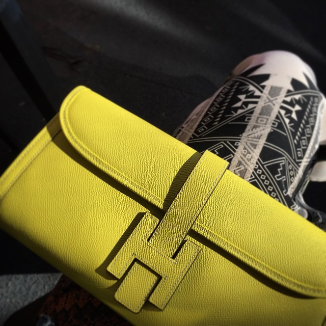 Yellow everywhere .. #blackandyellow #neonyellow #summerishere @isbrandsandmore