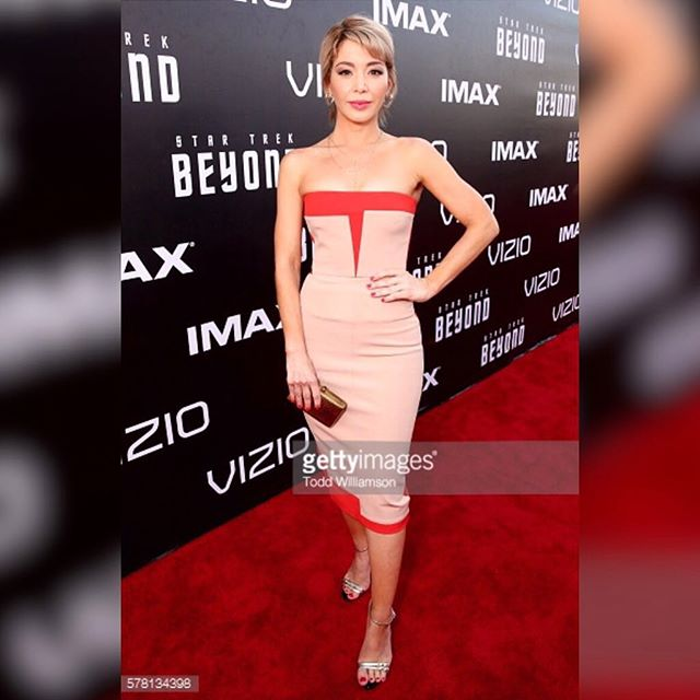 #aboutlastnight And the games have officially begun with @paramountpics @bad_robot @startrekmovie premiere yesterday at Embarcadero Marina Park in San Diego #actress #dominican #caribbean #Latina #comiccon #startrekbeyond #redcarpet #instadaily #instagood #YDKM #mua @fabiolamakeup #hair @martinputter #dress @victoriabeckham #earrings @alejandroperazastyle #blondeby @anivalm #teamtraceymatringly @traceymattinglyllc @lizrodriguezemr