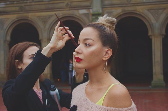 #bts my girl hair guru @nancileesantos caught in action doing her thing with me in #centralpark #nyc #actress #dominicana #caribbean #angeleno ? @perceptionbyi #mua @morgane_martini #style @alejandroperazastyle #producer @anivalm