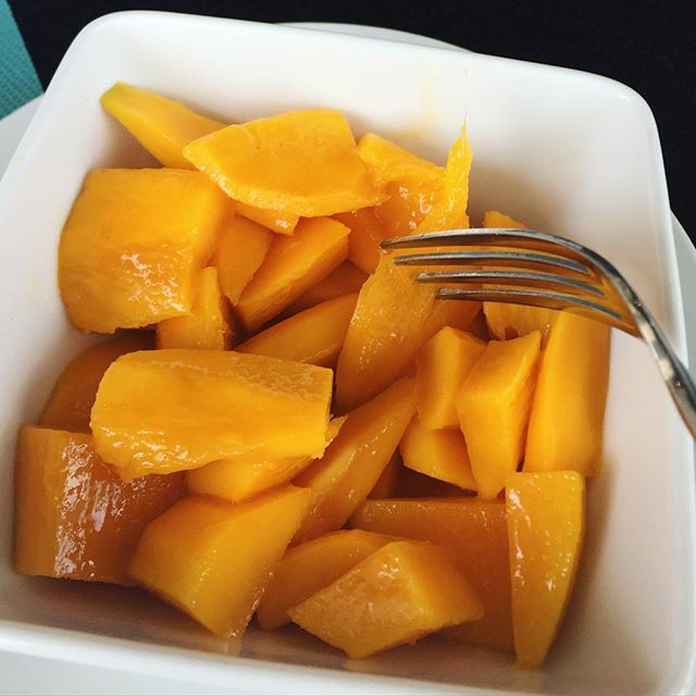 #fresh #organic #nongmo #mango from the backyard of my friend's home. This is definitely the fruit of the Gods! Thank you @jonathan_checo and your wonderful mother @sorayapresidente for a lovely evening at your home and for this morning's breakfast! #sweet #suculent #mango #friends #intimate #dinner #laughter #tears #stories #makingmemories #makingmoves #makingmovies