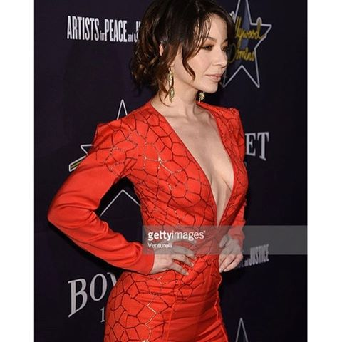 #tbt supporting one of my very favorite, @artistsforpeace at their pre Oscar party. I cant say enough about the incredible work they have done and continue to do in Haiti since the earthquake. Check out their work at http://www.apjnow.org #actress #LA #nightout #preoscar #charity #soiree